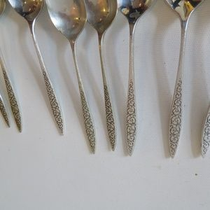 Wallace SPANISH LACE oval soup place spoon s